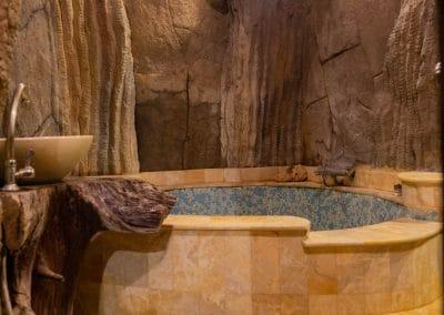 Salle de bain de la Chambre Grotte 4 personnes